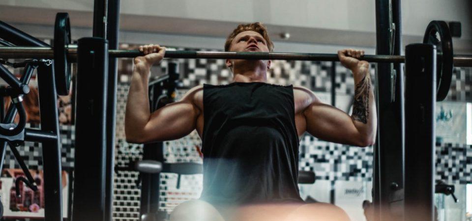 Die Hantelbank – ein Gerät für alle Muskelgruppen